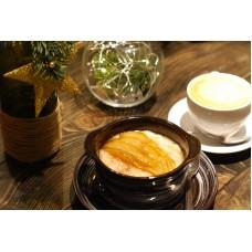 Овсяная каша с карамелизированной грушей + кофе на выбор